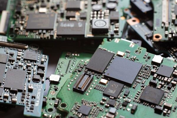 Az elektronikai eszközök is drágulni fognak a koronavírus miatt