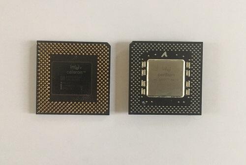 CPU–fekete bakelit alapon